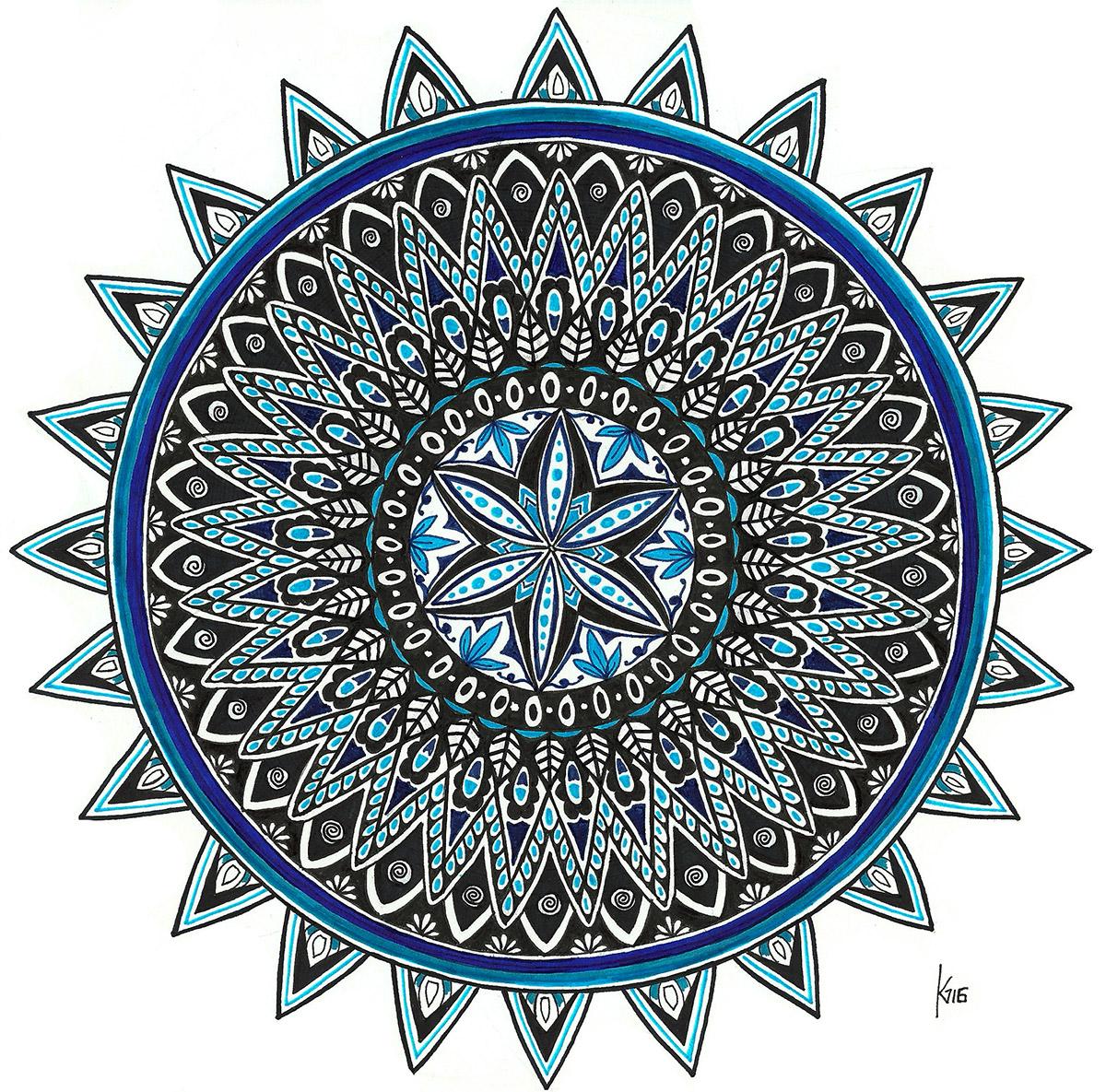 Mandala-mit-blauen-Details-web-